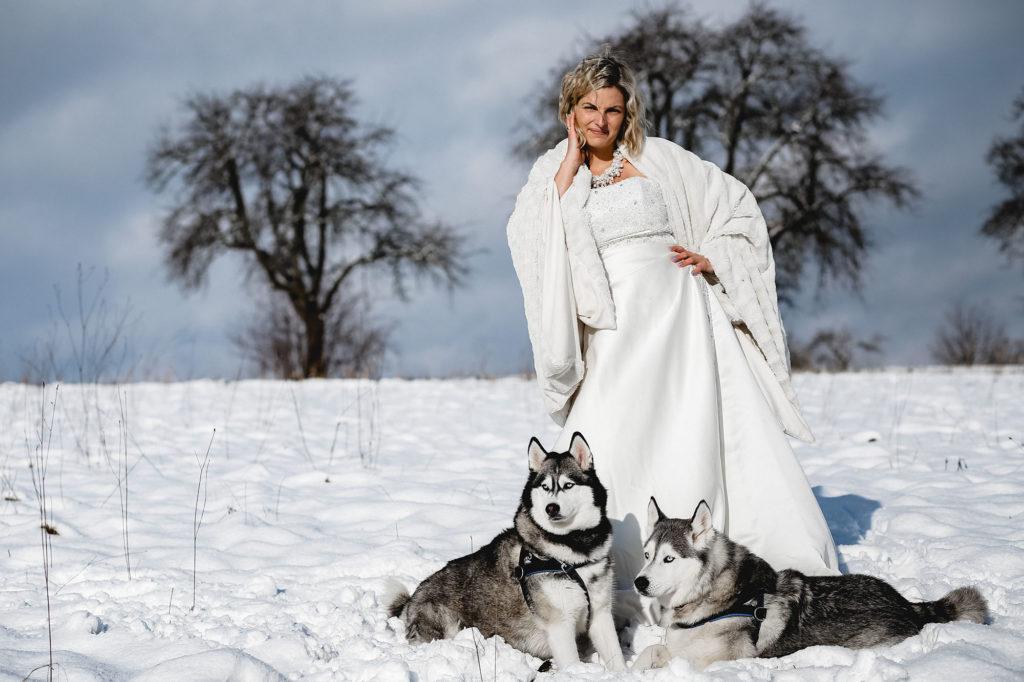 Winterliche Märchenhochzeit im Schwarzwald mit Huskies